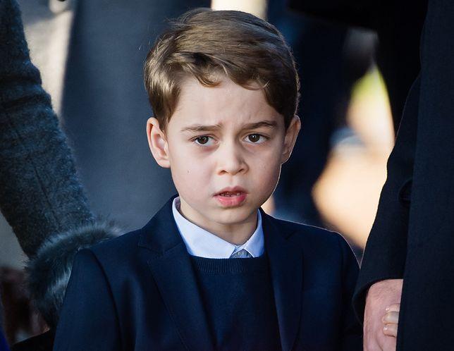 Książę George musi dostosować się do zasad