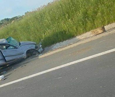 Śląskie. Koszmarny wypadek. Pickup koziołkował na S1