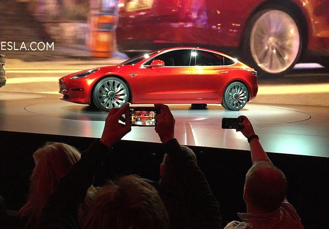 Tesla ujawnia szczegóły Modelu 3. To będzie jej pierwszy samochód dla mas