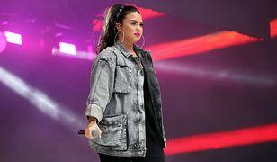 Demi Lovato podczas koncertu w Londynie.