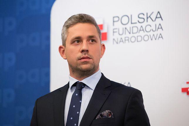 """""""Polacy, którzy zmienili świat"""" to sami mężczyźni. Kontrowersyjny kalendarz PFN"""