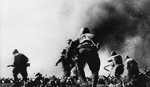 Natarcie Polaków w czasie bitwy pod Lenino. 12 października 1943 r.