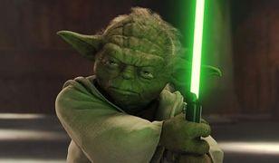 Mistrz Yoda w podręczniku obok króla Fajsala. Twórcy elementarza zwolnieni