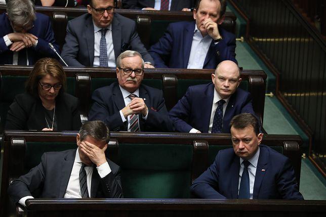 Sondaż dla WP. Polacy jednoznacznie o obniżeniu posłom pensji
