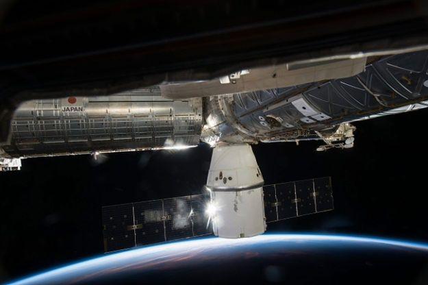 Kosmiczny statek transportowy Dragon