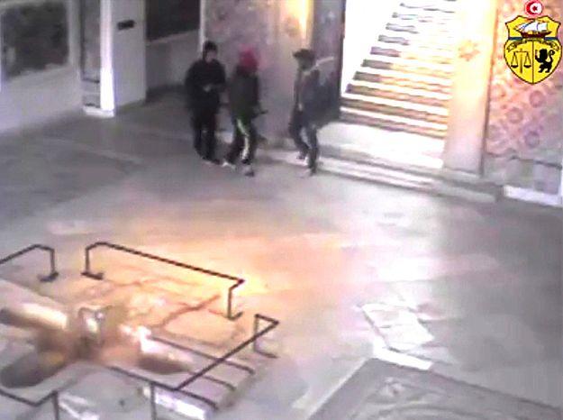 Zamachowcy na nagraniu z monitoringu w Muzeum Bardo
