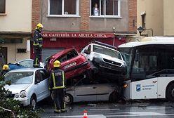 Kierowca dostał zawału. Autobus taranował auta w Maladze