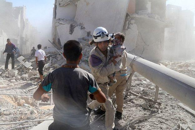 Ataki z użyciem bomb beczkowych w Syrii - śmierć, która spada z nieba