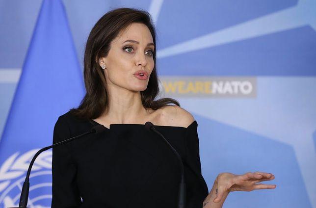 Angelina Jolie bez makijażu