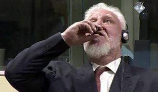 Slobodan Praljak w Hadze usłyszał wyrok i wypił truciznę