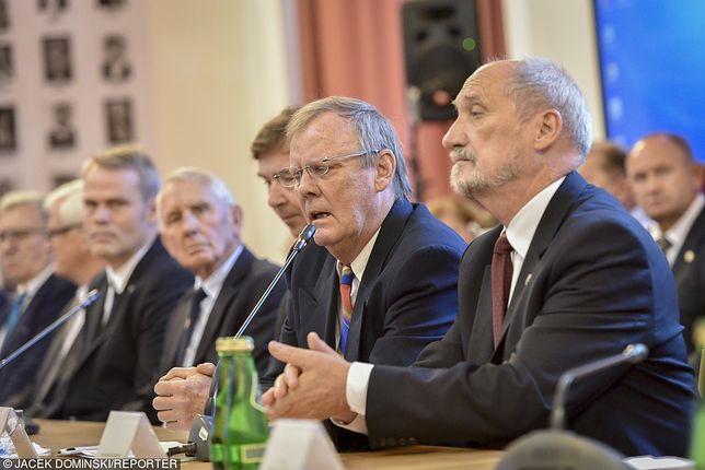 Podkomisja smoleńska, Antoni Macierewicz