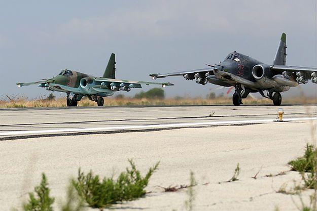 Rosyjskie samoloty szturmowe Su-25 w Syrii