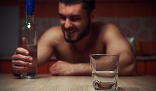 Po alkoholu wielu mężczyzn pokazuje swoje drugie oblicze