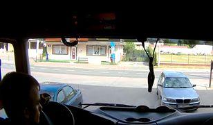 Kobieta w BMW opóźniła akcję strażaków. Była na zakupach