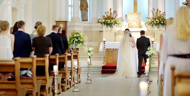 Ania i Tomek nie chcą kamerzysty na ich ślubie. Teściowa nie potrafi tego zrozumieć