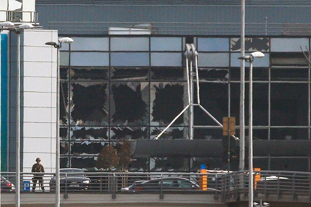 Zniszczony przez wybuch terminal portu lotniczego Zaventem.