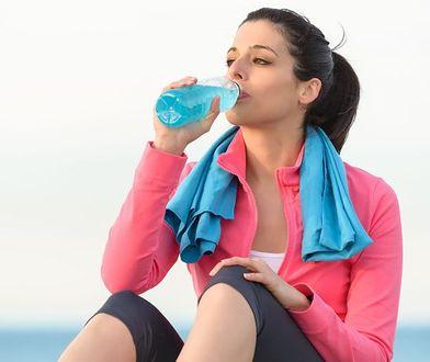 Jak zrobić domowy napój izotoniczny?