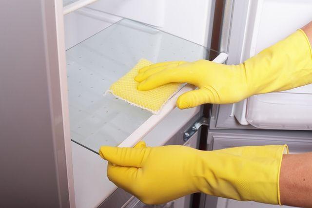 Porządki w kuchni: jak wyczyścić lodówkę?