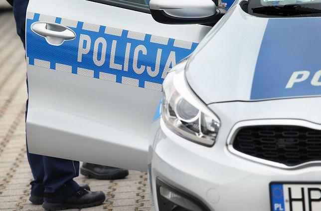 Warszawa. Policjanci skontrolowali restauracje i siłownie