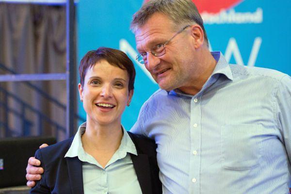 Zwrot na prawo w partii eurosceptyków Alternatywa dla Niemiec (AfD)