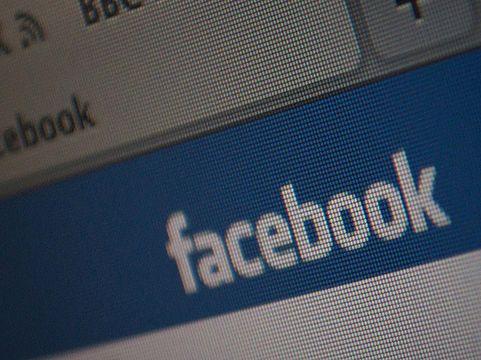 Facebook: dobór reklam na podstawie numeru telefonu