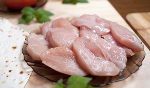 Filet z kurczaka – jak sprawdzić, czy jest świeży? Ważna wskazówka