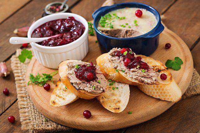 Żurawina jest zdrowym dodatkiem do śniadań, przekąsek i obiadów.