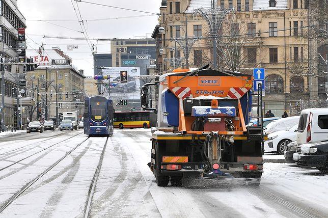 Nareszcie zawitała w Polsce zima. Na zdjęciu: ulice Wrocławia