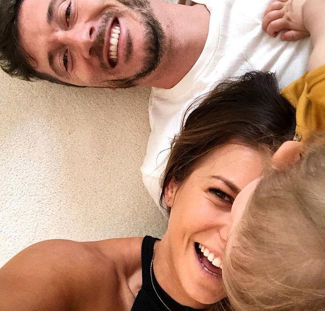 Lewandowska opublikowała zdjęcie z Robertem i Klarą. Internauci żartują z piłkarza