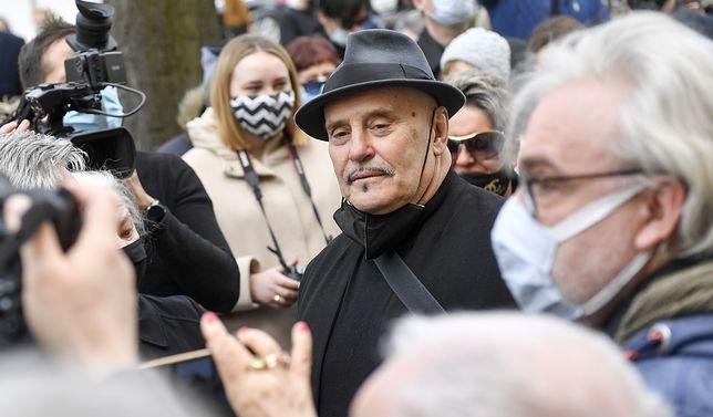 Marian Lichtman ujawnił okoliczności przepychanki na pogrzebie. Twierdzi, że wstawił się za synem artysty