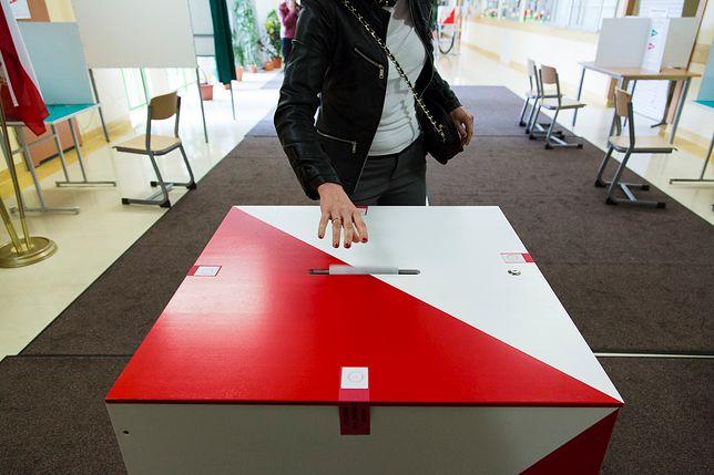 Wybory samorządowe odbędą się bez kamer w lokalach