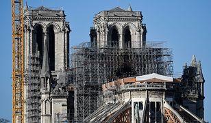 Paryż. Notre Dame po ogromnym pożarze
