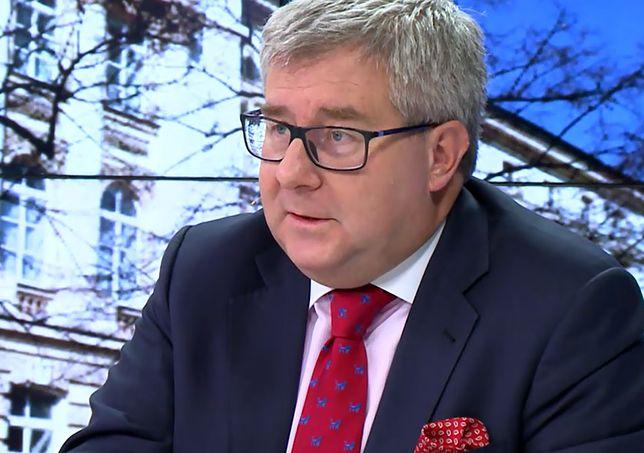 Ryszard Czarnecki, eurodeputowany PiS, uważa, że opozycja lansuje się na ludzkiej tragedii