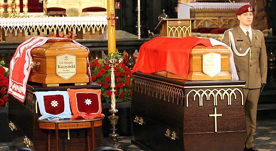 Trumny z ciałami Pary Prezydenckiej w Bazylice Mariackiej