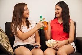 Dlaczego nastolatki powinny unikać napojów gazowanych?