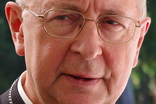 Abp Gądecki: zwrot majątku Kościołowi to naprawa dziejowej niesprawiedliwości