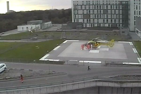 Kadr z filmu udostępnionego przez Uniwersytecki Szpital Kliniczny we Wrocławiu