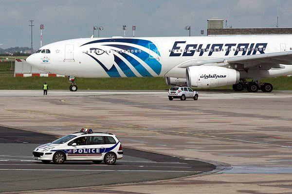 Prezydent Sisi zarządził poszukiwania szczątków samolotu EgyptAir