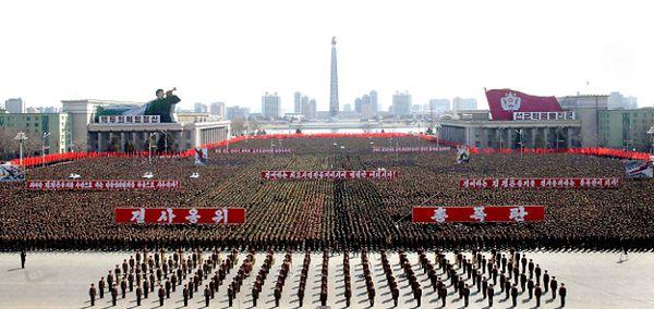 Parada żołnierzy w Phenianie