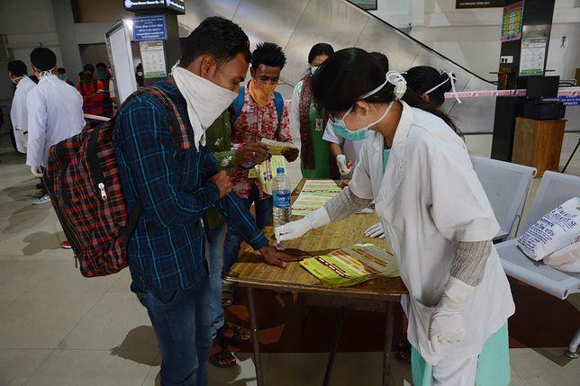 Koronawirus w Indiach. 1,3 mld ludzi zamkniętych w domach