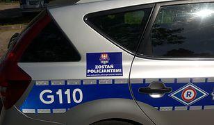 """Naklejki """"Zostań Policjantem"""" pojawiły się na radiowozach w całej Małopolsce"""