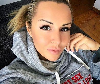 Lipińska jest menadżerem klubu, hipnotyzerem-terapeutą, pracuje dla KSW