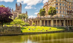 Anglia - bale kostiumowe i najstarsze spa w Europie, czyli atrakcje Bath