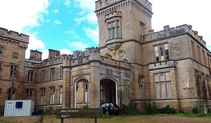 """Szkocki zamek wystawiony na sprzedaż. Bo """"upiór pali w nim cygara""""?"""