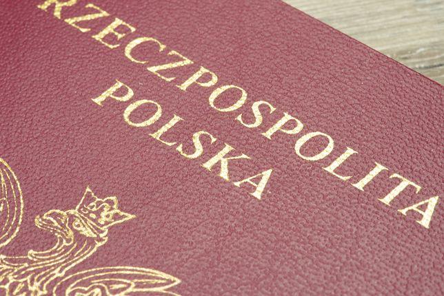 Zostało niewiele czasu, wyrób paszport przed Brexitem. Apel polskiej ambasady