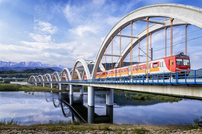 Kolej w pobliżu Tatr