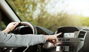 Popularna aplikacja zaprowadziła kierowców w błoto