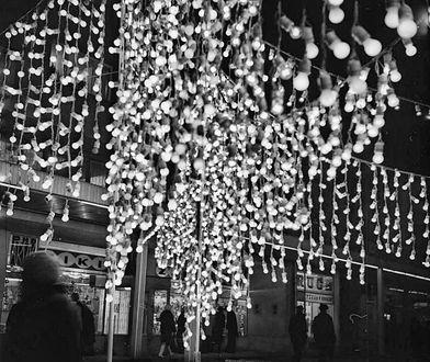 Dziś rozbłysną świąteczne iluminacje. Jak wyglądały dawniej? (ZDJĘCIA)