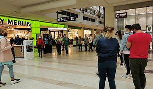 ZPPHiU: Polacy robią zakupy o połowę mniejsze niż niz rok temu