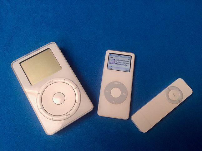 Pierwszy iPod, pierwszy iPoda Nano i pierwszy iPod shuffle.